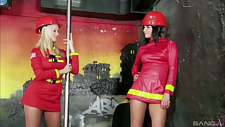 Extraordinary lesbian Cindy Dollar use a strapon to please her doll