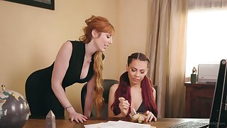 Ginger milf Lauren Phillips is making honour around young lesbian Sabina Rouge