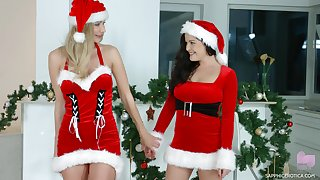 Christmas sapphic sex with amazing Dolly Diore and Polina Maxima