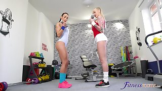 Anna rose coupled with Kayla Green have lesbian sexual intercourse in the home gym
