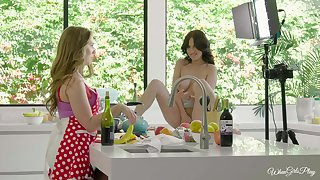 Nice lesbo sex on dramatize expunge table between Lena Paul and Jade Baker